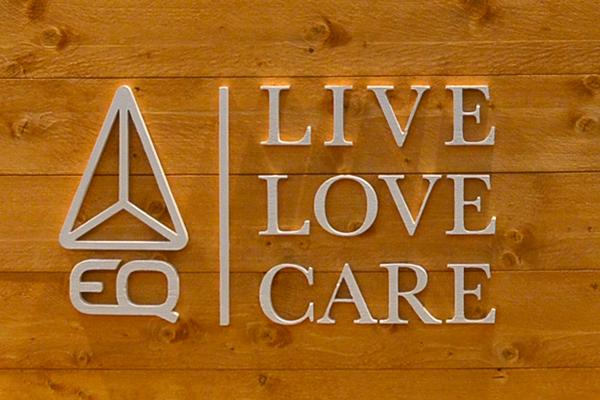Logo EQ live, love, care